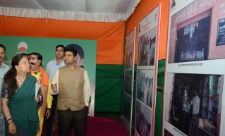 vasundhara-raje-lays-foundation-stones-road-works-CMP_5126