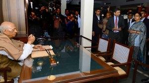 vasundhara-raje-mobile-digital-exhibition-One-India-Sardar-Vallabhbhai-Patel-CMA_3301