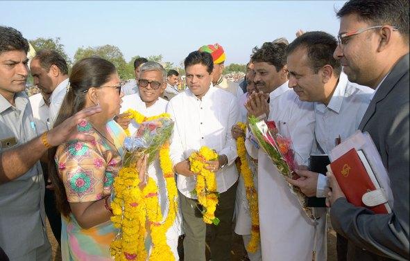cm-banswara-govind-guru-janjati-vidyalaya-06