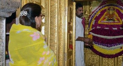 vasundhara-raje-sikar-jansamvad-khatushyamji-temple-town-CMA_9290