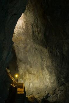 дяволското гърло пещера