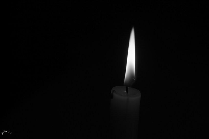 A veces se encuentra una llama que ilumina el camino
