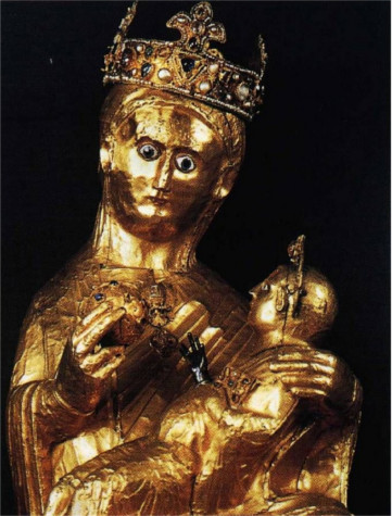 This amazing statue of the Virgin Mary holding baby Jesus, weights an incredible 84.7 kilograms of solid gold, meaning it's shear metal value is more than US$1,450,000.
