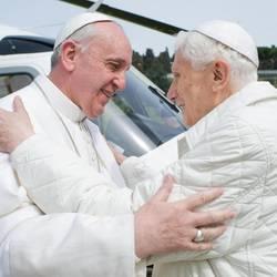 Ratzinger e Bergoglio