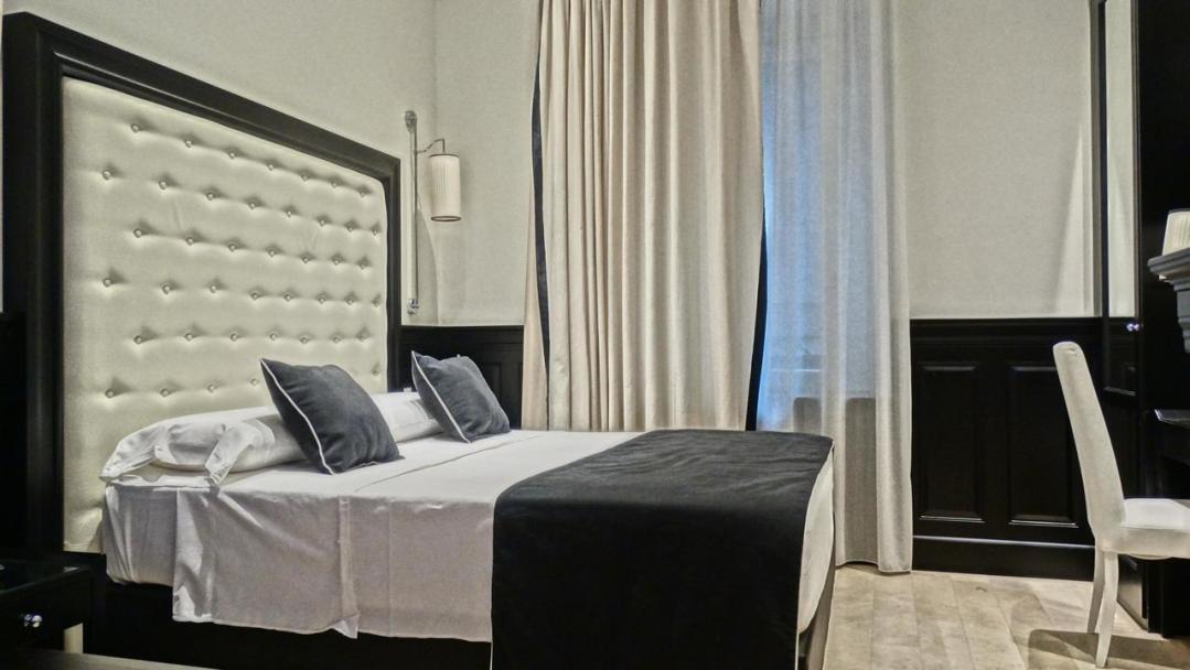 Vaticano Royal Suite Guest House 76236602