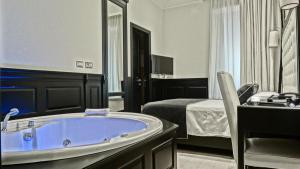 Vaticano Royal Suite Guest House 76236636