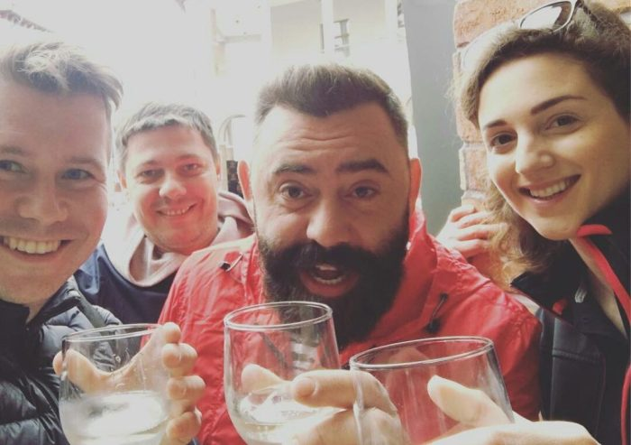 Кто в танке - Федор Овчинников это основатель сети DodoPizza и он тут слева