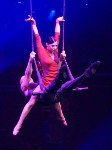 Ukraine based Trapeze duo 'Tempo Rouge' at Cirque d'Hiver