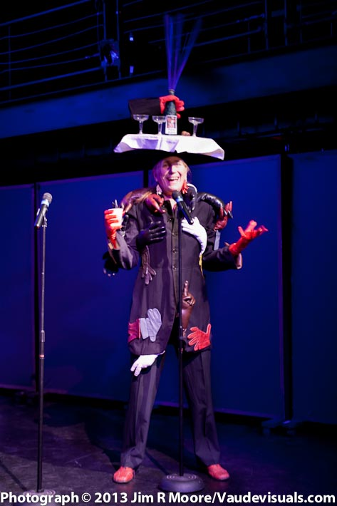 Performanz artist Pat Oleszko host the toast to Tom Murrin
