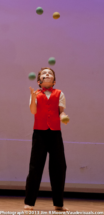 Bennett Santora performs at JUGGLE THIS