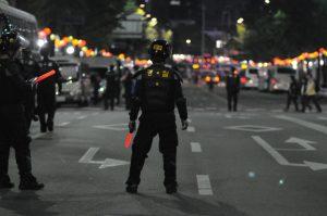 Police man, back to camera