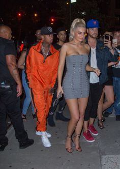 kylie-jenner-parties-with-scott-disick-kendall-jenner-and-her-boyfriend-tyga-in-new-york-city