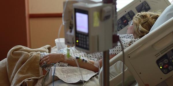 pixabay pregnant hospital