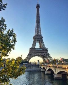 The Eiffel Tower vaycarious.com
