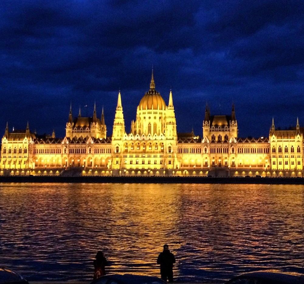 Budapest Photo taken while travel dating with Tinder vaycarious.com
