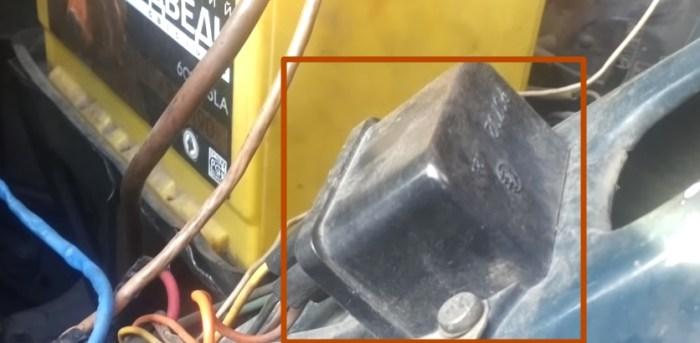 РЕЛЕ лампочки зарядки аккумулятора ваз 2106
