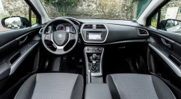 Suzuki SX4 S-Cross салон