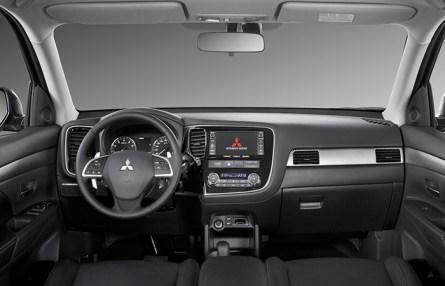 Салон Mitsubishi Outlander III