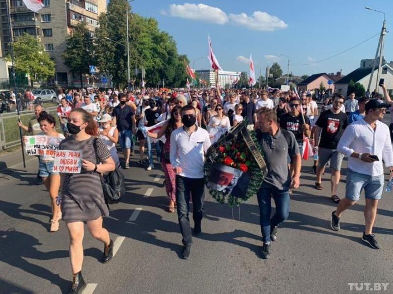 Протестующие в Бресте снова попробовали выйти на площадь Ленина
