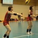 レシーブ力が向上した石田選手(左)