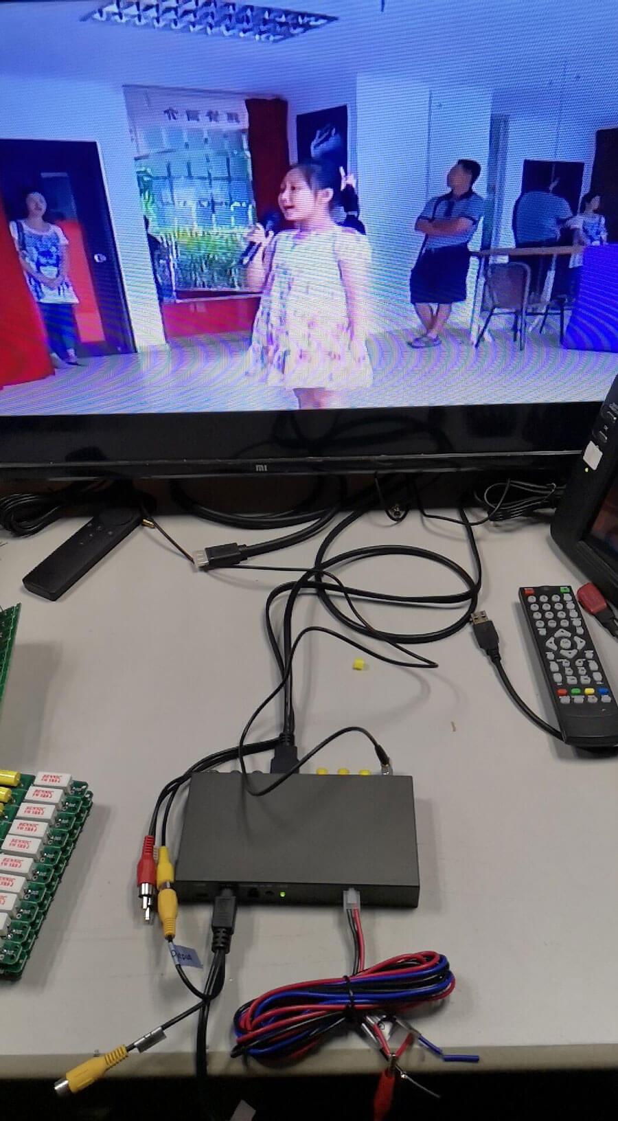 DVB-T Cofdm 915Mhz and 6M Wireless Video Receiver