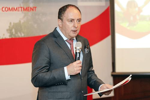 Ông Clive Baker - Tổng giám đốc Prudential chia sẻ kết quả kinh doanh tại họp báo diễn ra vào tháng 4.