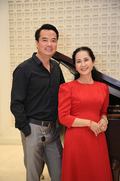 Chị hội ngộ diễn viên Phan Anh, gương mặt quen thuộc với khán giả truyền hình phía Bắc.