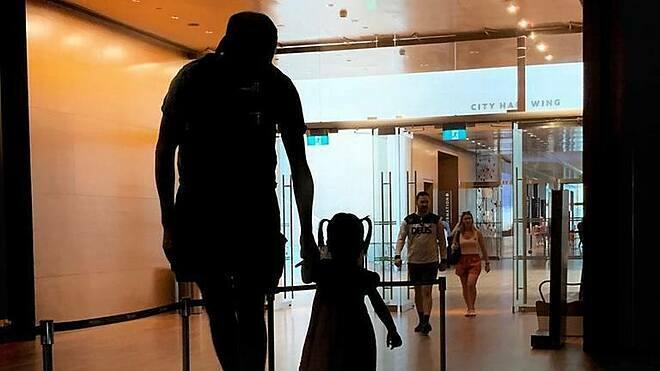 Alex sẽ cho con gái đi xét nghiệm di truyền khi đủ tuổi. Ảnh: Nhân vật cung cấp