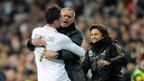 Mourinho thừa nhận không thể mua lại Ronaldo