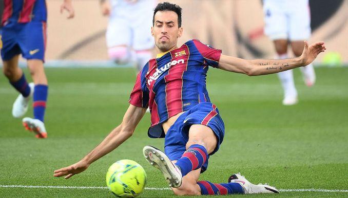 Kinh nghiệm và kỹ năng điều tiết của Busquets ở giữa sân vẫn được chờ đợi là nhân tố quan trọng trong lối chơi của Barca. Ảnh: FCC