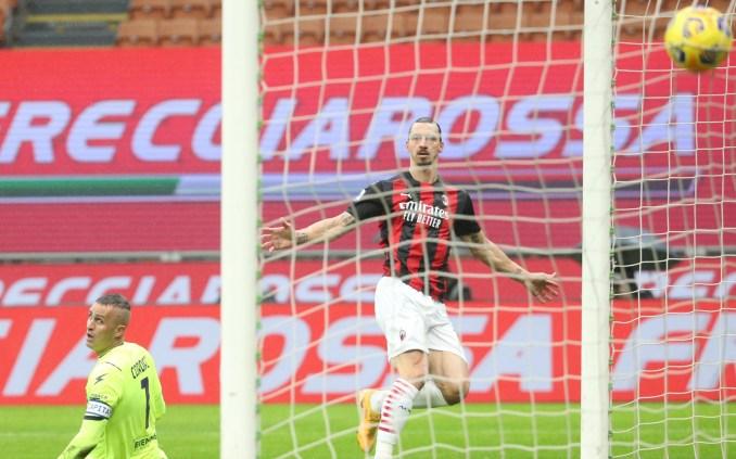 Ở tuổi 39, Ibrahimovic đang là cánh chim đầu đàn của dàn cầu thủ trẻ Milan, ghi 14 bàn, góp công lớn giúp đội dẫn đầu Serie A một thời gian dài trước khi bị Inter vượt lên cuối tuần qua. Ảnh: ANSA