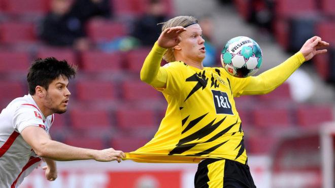 Haaland ném áo về đối phương - VnExpress Thể thao