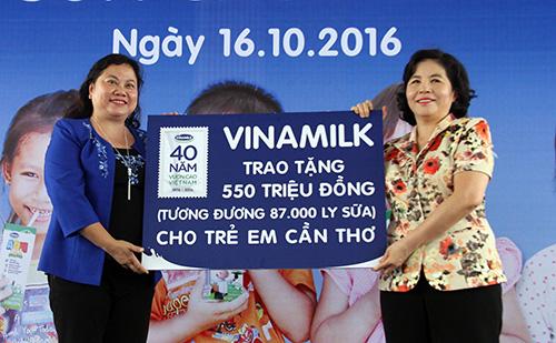 1000-hoc-sinh-ngheo-o-can-tho-uong-sua-mien-phi-2