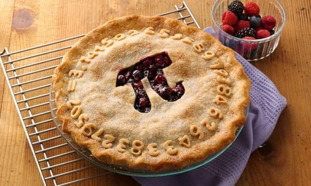 Bánh nướng thường được dùng để ăn mừng Ngày số Pi. Ảnh:Transit Wireless