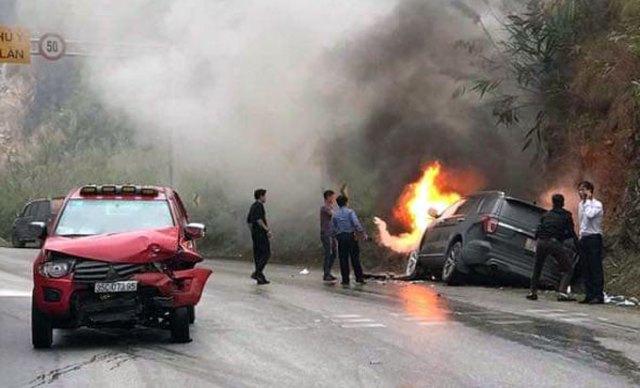 Hiện trường vụ tai nạn khiến xe ôtô bốc cháy tại quốc lộ 6 qua Mai Châu, Hoà Bình. Ảnh:Đỗ Minh