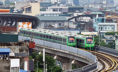 Tuyến tàu điện Cát Linh - Hà Đông sẽ là tuyến đường sắt đô thị đầu tiên của cả nước đi vào khai thác thương mại. Ảnh: Ngọc Thành.