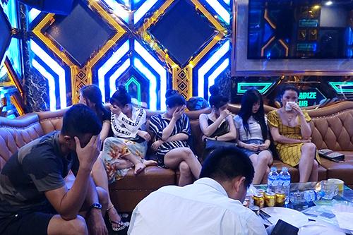 Gần 50 dân chơi bị phát hiện dương tính với ma tuý ở Quảng Bình. Ảnh: Quang Văn