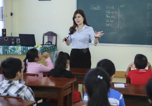 Một lớp học phòng chống xâm hại miễn phí của cô giáo ở Đà Nẵng. Ảnh: Nguyễn Đông.