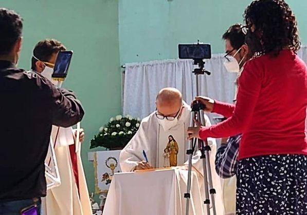 Transmisión digital de misas, la opción