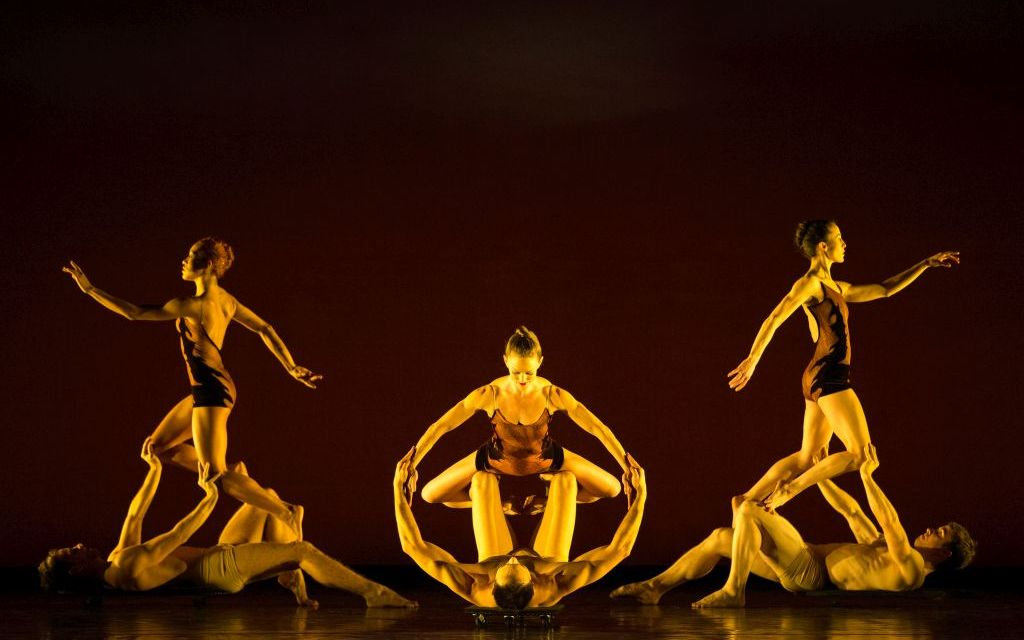 DANCING HOME   Moorpark dancer performs in Thousand Oaks with MOMIX