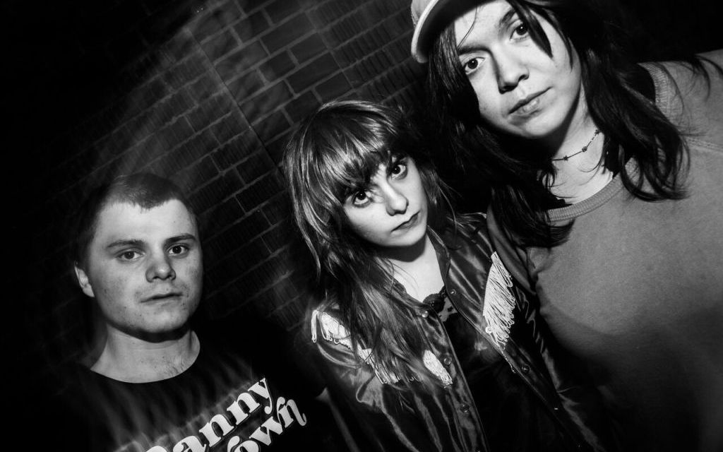 ALL GROWN UP | Sibling trio Skating Polly to come to Ventura on April 18