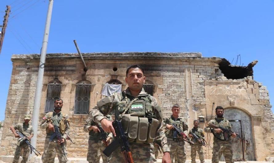 عفرين: الجيش الحر يحرق منازل لمدنيين بسبب منشورات على الفيسبوك