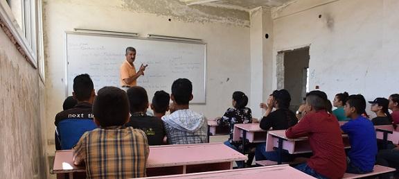 """تدمير التعليم في عفرين على وقع """"فاشية"""" الاحتلال التركي يقاوم بفتح المدارس في الشهباء"""