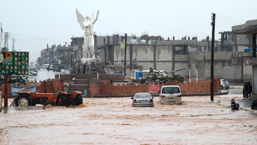 تضرر العشرات من المنازل نتيجة الفيضانات في شوارع كوباني وريفها