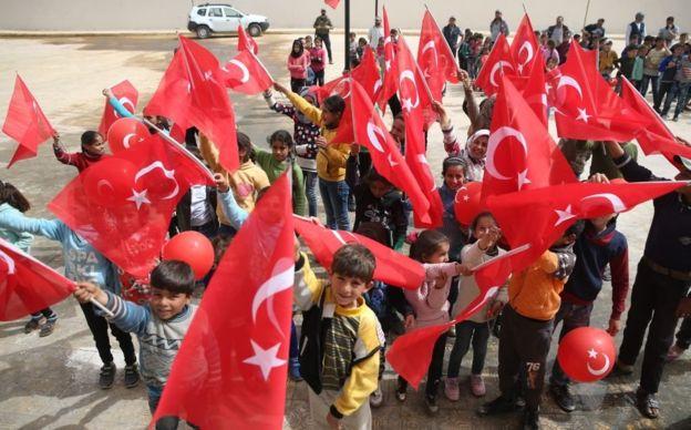 ضمن مخطط التغيير الديمغرافي التركي: توطين قرابة 200 ألف في منازل الأكراد المهجرين قسرا من عفرين منذ 2020