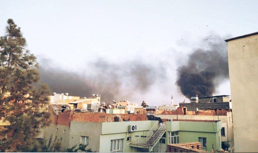 القصف التركي يتسبب في نزوح سكان بلدتين سوريتين