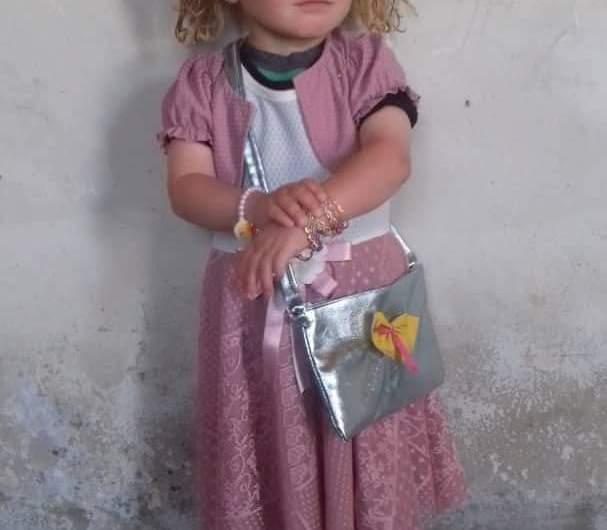 مقتل طفلة وإصابة والديها في قصف تركي شمالي سوريا