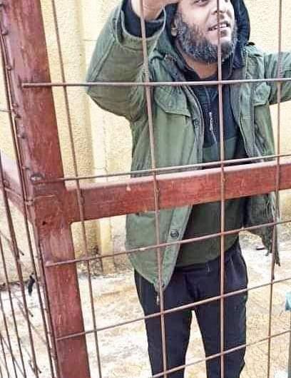 الحكم بالسجن خمس سنوات على قيادي في فصيل كانت تدعمه بتهمة رفض تنفيذ الأوامر وتطلق سراح 5 آخرين