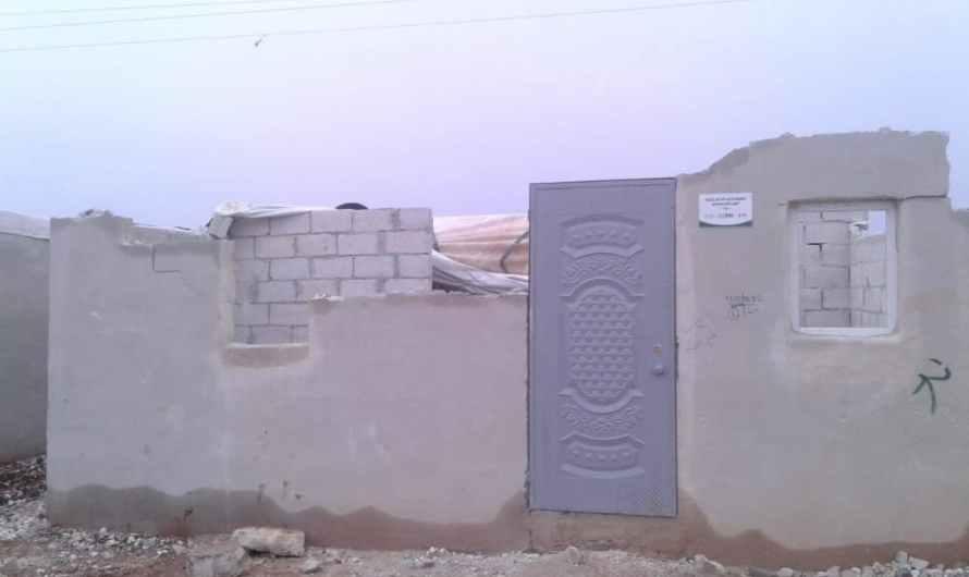 صور … أول الهطوات المطرية كشفت فساد كبير في بناء المساكن التي نفذتها تركيا شمال سوريا