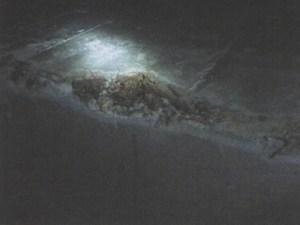 Пустоты глубиной более толщины защитного слоя бетона, оголение арматуры, мусор в бетоне
